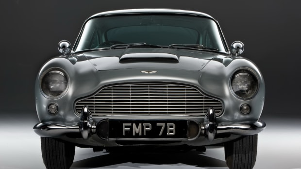 james-bond-1964-aston-martin-db5-front1