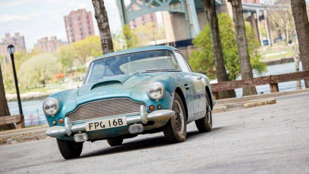 Aston_Martin_DB4_13-1200x799