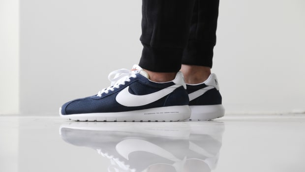 a-closer-look-at-the-fragment-design-x-nike-roshe-ld-1000-sp-dark-navy-1
