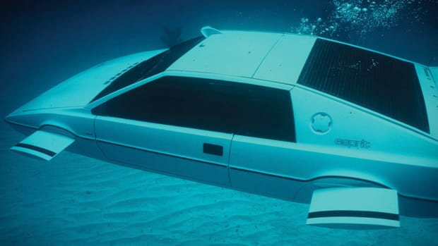 james-bond-lotus-esprit-submarine-car-xl