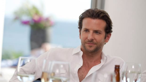 bradley_cooper_man_celebrity_table_serving_1024x768_hd-wallpaper-33063