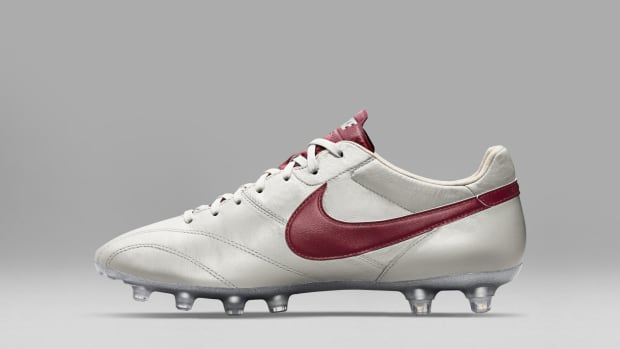 HO15_FB_TIEMPO_LEGEND_PREMIER_SE_MTLC_SMMT_WHITE_RED_C_PREM_hd_1600.jpg