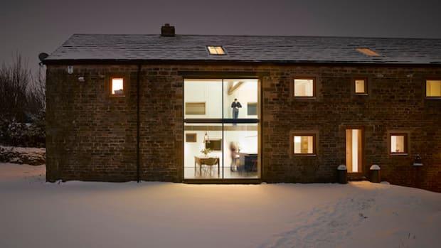 Cat-Hill-Barn-by-Snook-Architects_dezeen_ss_14.jpg