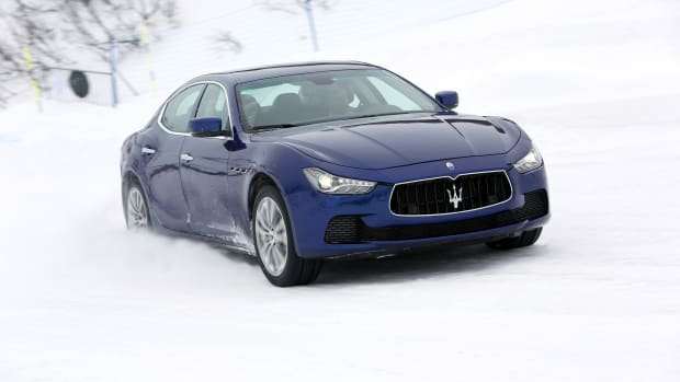 2014-Maserati-Ghibli-S-Q4-front-three-quarter-in-motion-07-1.jpg
