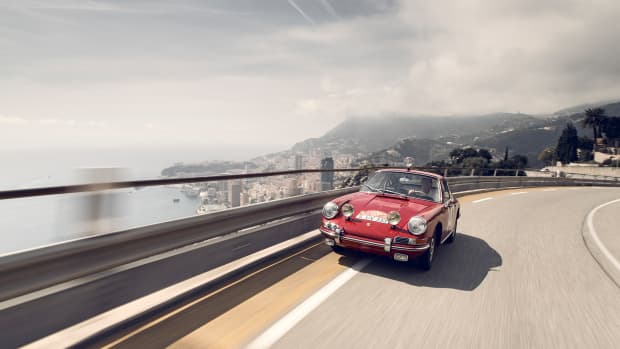 Rally World Champion Walter Ri__hrl drives the Monte-Carlo 911.jpg