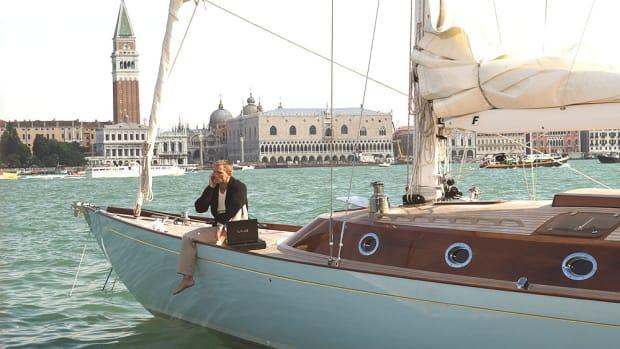 james-bond-yacht-01.jpg