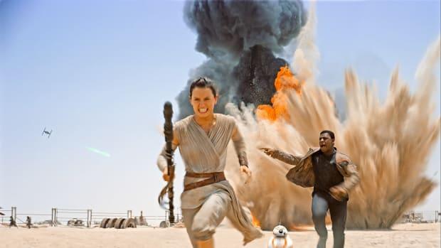 Rey-Finn-running.jpg