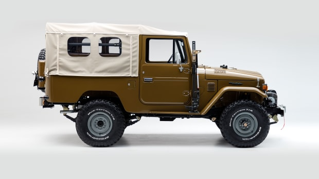 TheFJCompany_1981_FJ43_Copperstate_02.jpg