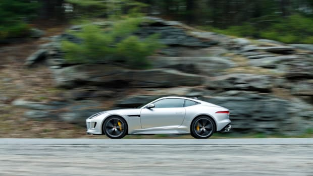 F-TYPE_AWD_COUPE_049_(109237).JPG