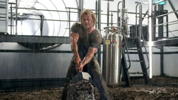 entertainment-2014-11-chris-hemsworth-thor-3-main