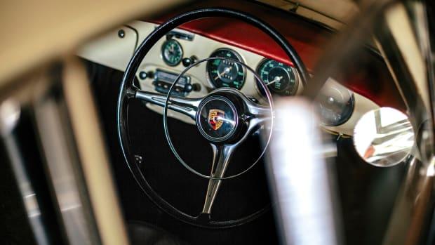 Steering_wheel_356