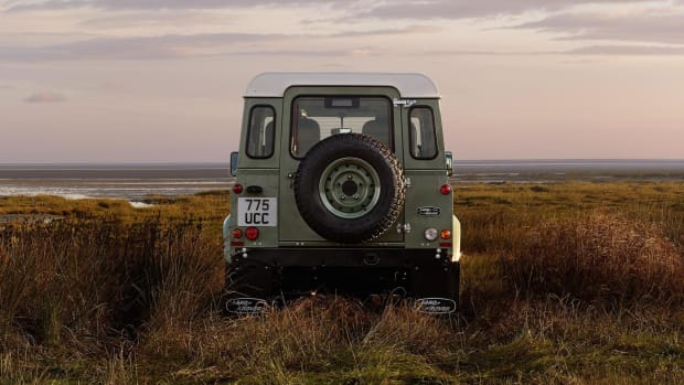 land-rover-defender-goes-out-of-production-with-a-trio-of-limited-edition-models-video-photo-gallery_15
