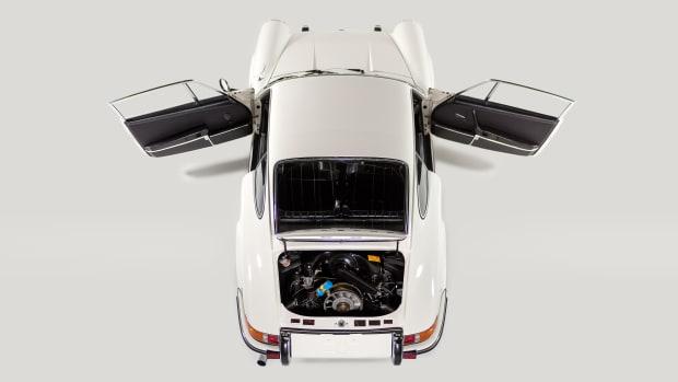STRAAT-1969-Porsche-911T-Studio-11