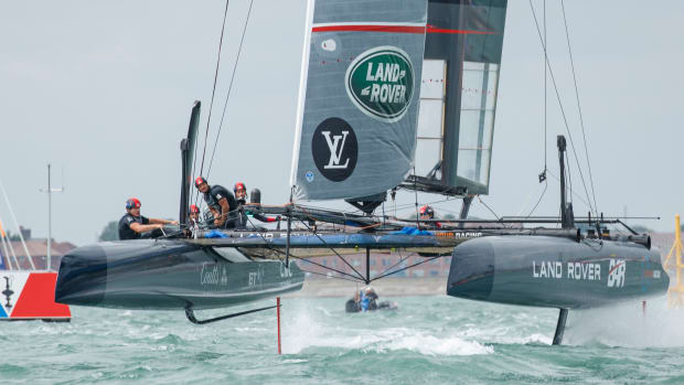 ZUe2no-ic3RBRPK95V1oObmt9ulIYCQW_5__Land_Rover_BAR_sail_into_podium_place_at_Portsmouth_ACWS_event_NickDimbleby.jpg