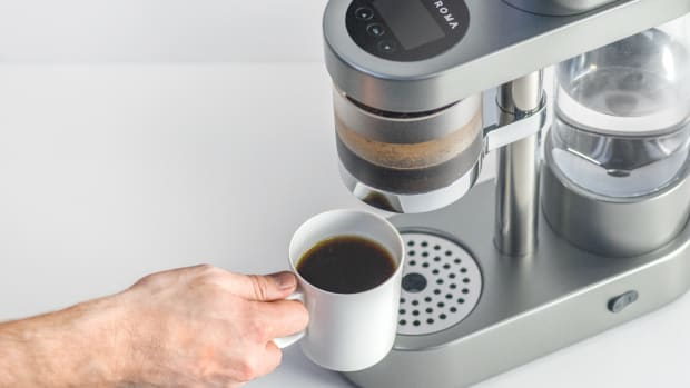 Auroma_Coffee_Machine_by_OfficeforProductDesign_W07.jpg