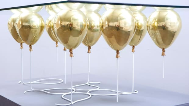 UP-Balloon-Coffee-Table_gold_02.jpg