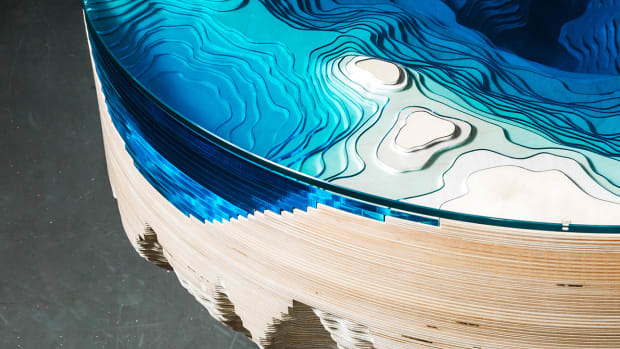 duffy-london-abyss-horizon-table-designboom-1800.jpg