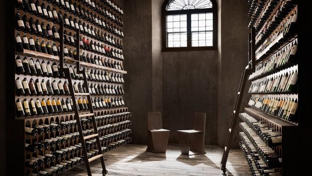 libreria-del-vino-lifestyle-two.jpg