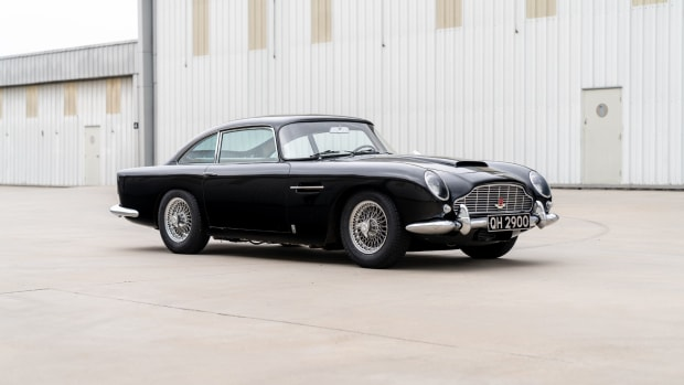1965_Aston_Martin_DB5_01