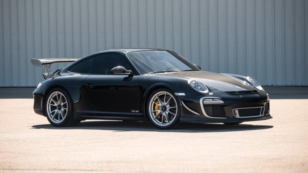 2011-Porsche-911-GT3-RS-4-0_0