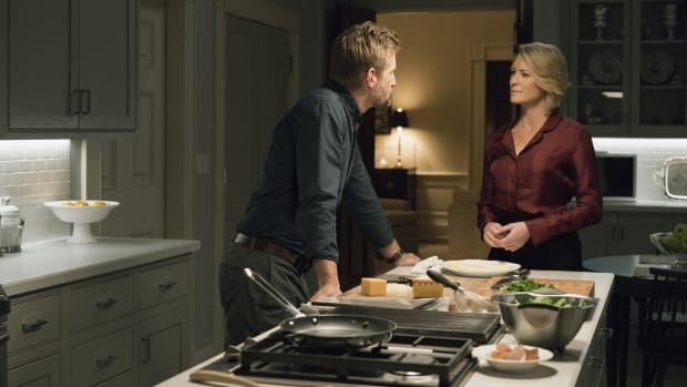 bs-fe-house-of-cards-recap-season-5-episode-5