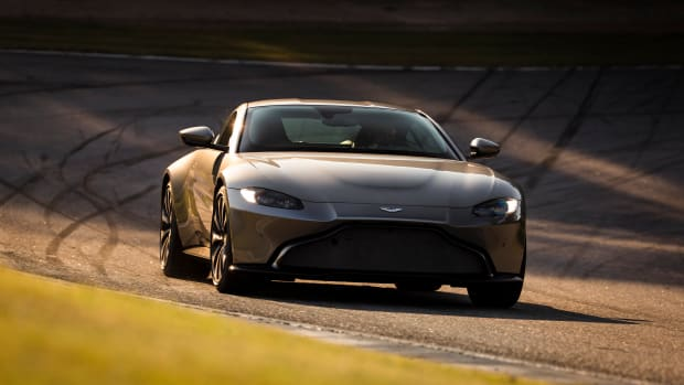 Aston_Martin_VantageTungsten_Silver17-jpg