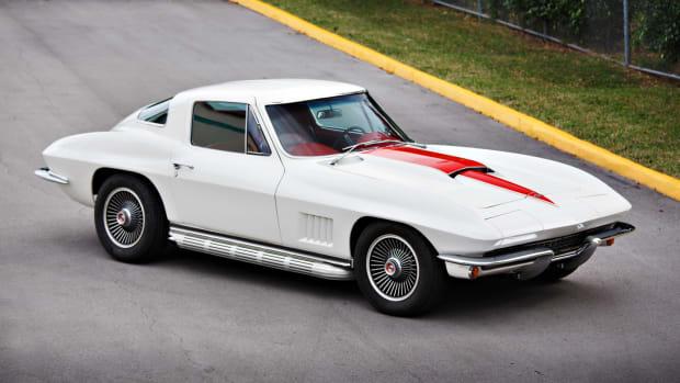 1967_Chevrolet_Corvette_327-350_HP_Coupe_0111
