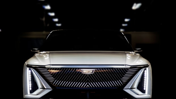 Cadillac-LYRIQ-015