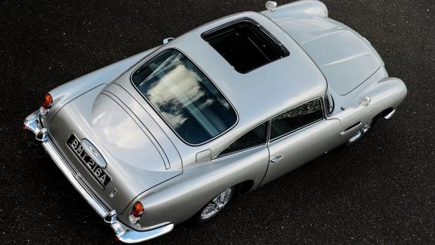 Aston_Martin_DB5_Goldfinger_Continuation30-jpg