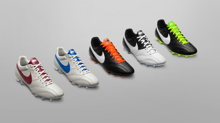 Cool Vintage-Inspired Soccer Cleats