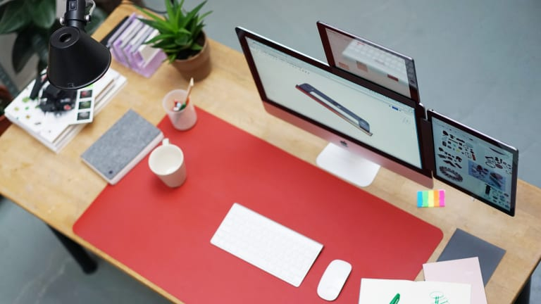 This Gizmo Mounts Your Tablet As A Second Desktop Display