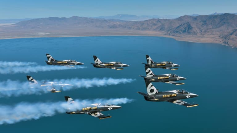 9 Amazing Photos Of Breitling's Jet Team Buzzing National Monuments