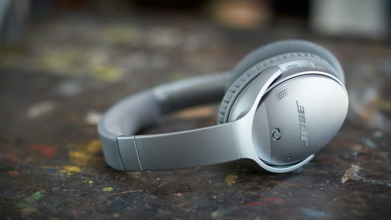 Bose's Ultra-Comfortable Noise Canceling Headphones Go Wireless