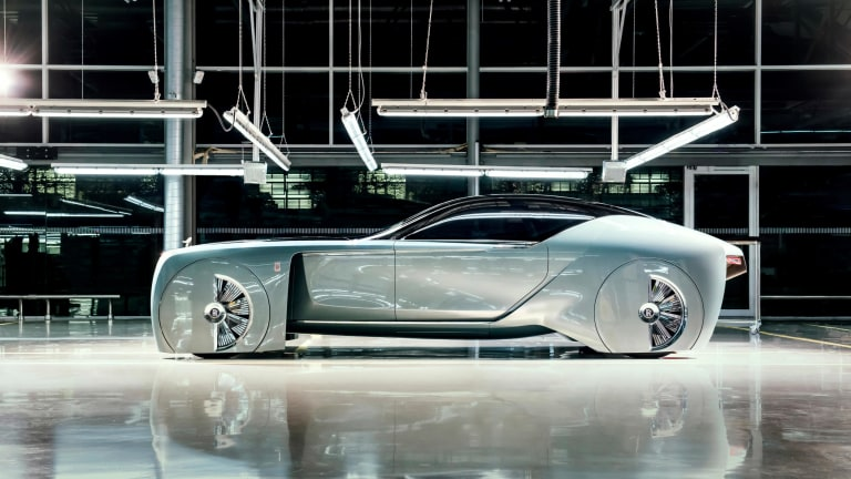 The Autonomous Rolls-Royce 103ex Is a Retro-Future Piece of Art