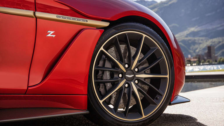15 Heartstopping Photos of the Aston Martin Vanquish Zagato