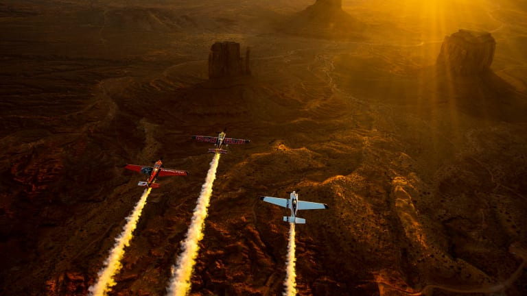 12 Breathtaking Images Of Pilots Touring Monument Valley, Utah