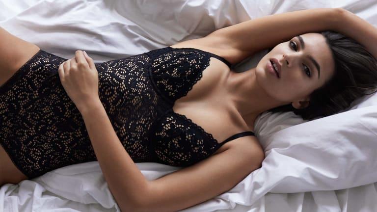 Emily Ratajkowski's Impossibly Sexy Morning Routine
