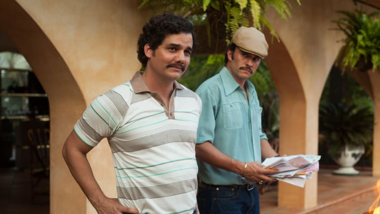 A Very Bad (and Very Funny) Lip Reading of 'Narcos'