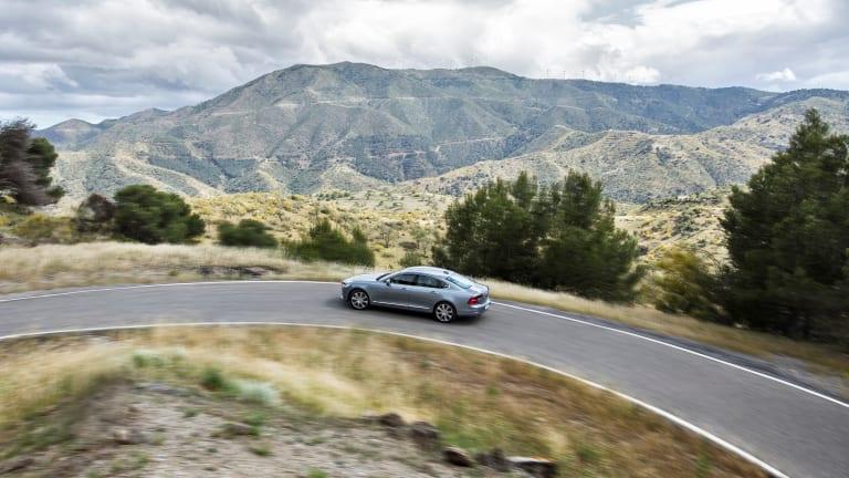 Volvo's Semi-Autonomous S90 is a Dream Ride From the Future