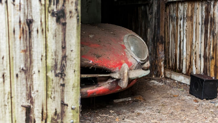 Somebody Found This 1964 Jaguar E-Type In a Barn