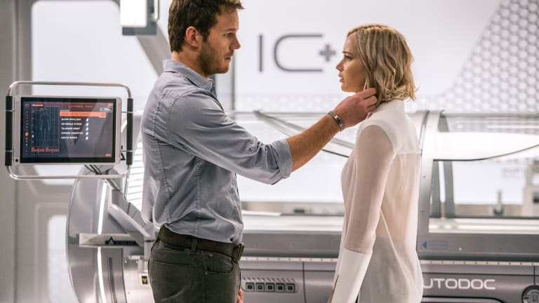 Sci-Fi Movie 'Passengers' with Jennifer Lawrence & Chris Pratt Looks Great