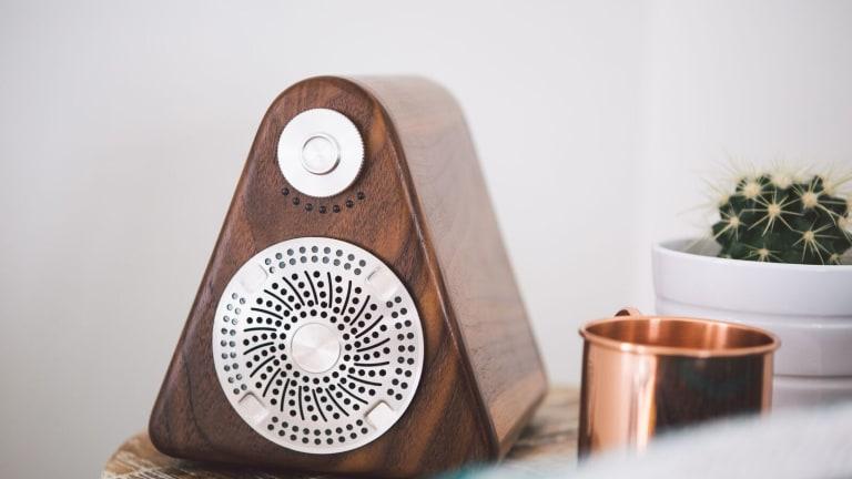 This Uniquely Designed Wooden Speaker Pumps Out the Warmest Tones