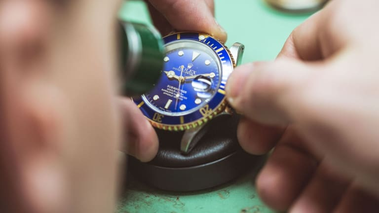 This Timelapse Shows How Intricate a Rolex Really Is