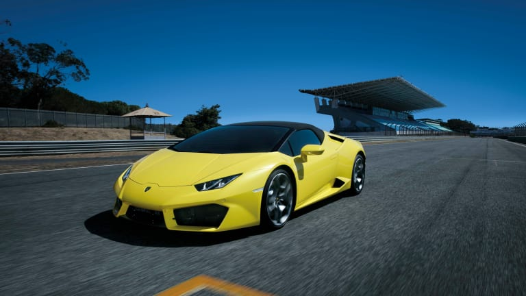 Yellow Sure Looks Sexy In This Lamborghini Huracán Video