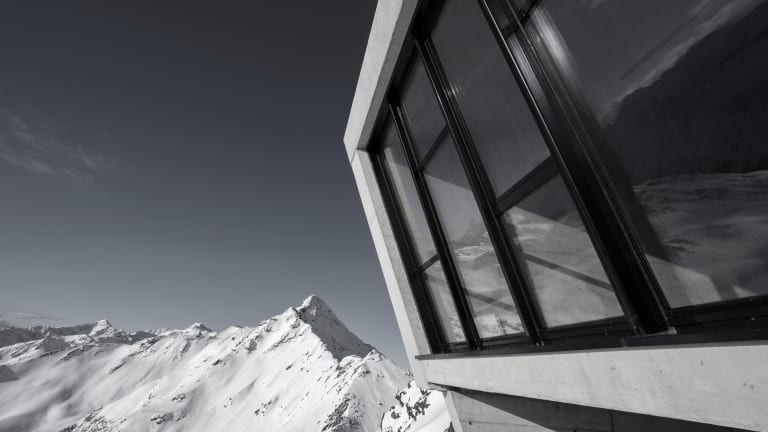 A James Bond Museum Is Opening in the Austrian Alps