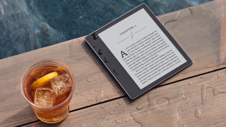 Amazon Unveils Its First Waterproof Kindle