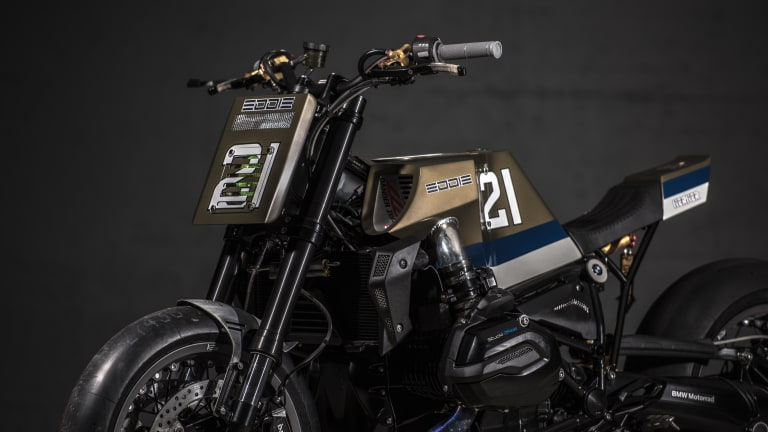 This Custom BMW R1200R Pays Homage to Racing Legend Eddie Lawson