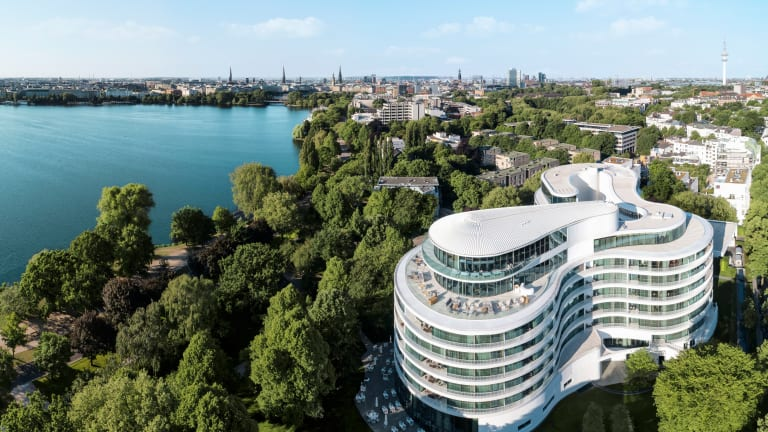 Review: It Doesn't Get More Opulent than Hamburg's Fontenay Hotel