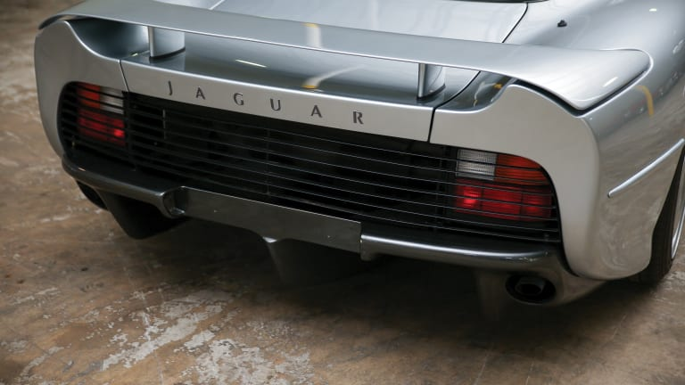 Car Porn: 1993 Jaguar XJ220