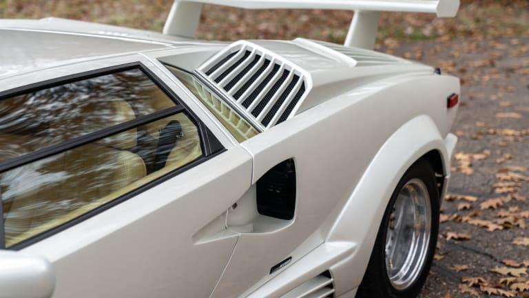 Car Porn: 1990 Lamborghini Countach